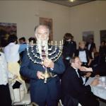 1984 -  TEL-AVIV chandelier offert au choeur par l'orch de Tel-Aviv